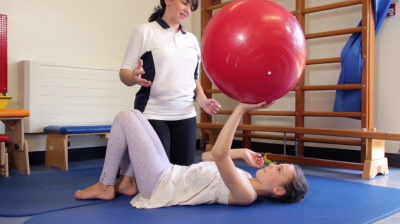 Advanced ball exercises to improve your core stability Thumbnail