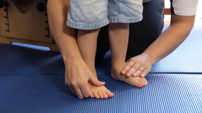 Normal variations in children's walking Flat Feet Thumbnail