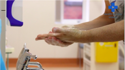 Washing your Hands and Arms for Dialysis Thumbnail